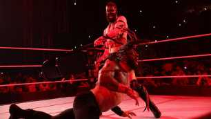 Finn Bálor vs. Roman Reigns